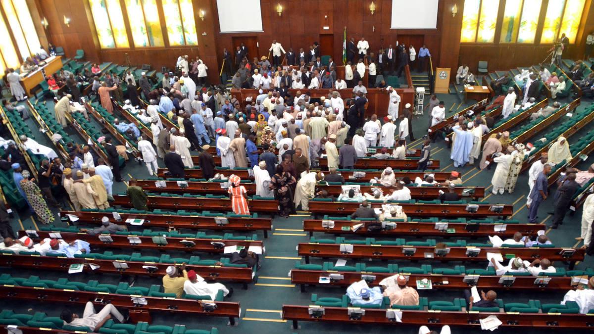 nigeria-parliament-rowdy